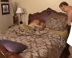 Mom give a good fuck to stepdaughter