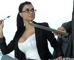 HOT MILF JASMINE JAE PLAYS THE SEXY OFFICE - Seehdchat.online