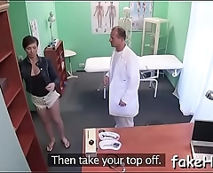 Messy doctor can'_t live deficient in fucking a lot