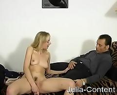 Ariane in ihrem ersten Amateurvideo