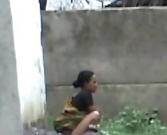 aunty backyard piss2