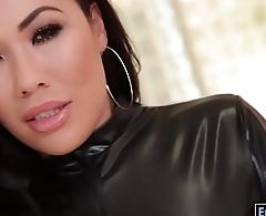 Stunning asian beauty London anal banged