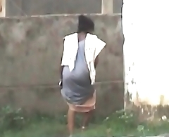 aunty backyard piss