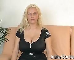 Riesen-Knet-Titten Blondie