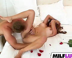 Remarkable MILF Mia Ryder Gets Nailed