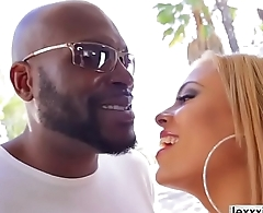 Luna Star tryouts to Lexington Steele for an interracial sex