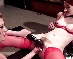 Rose-red Torn Strapon Fucks Violet Monroe
