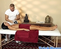 Massage loving milf gets facialized