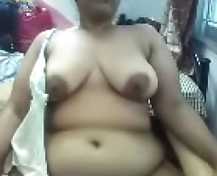 Married aunty showing her big boobs and pussy to me on cam